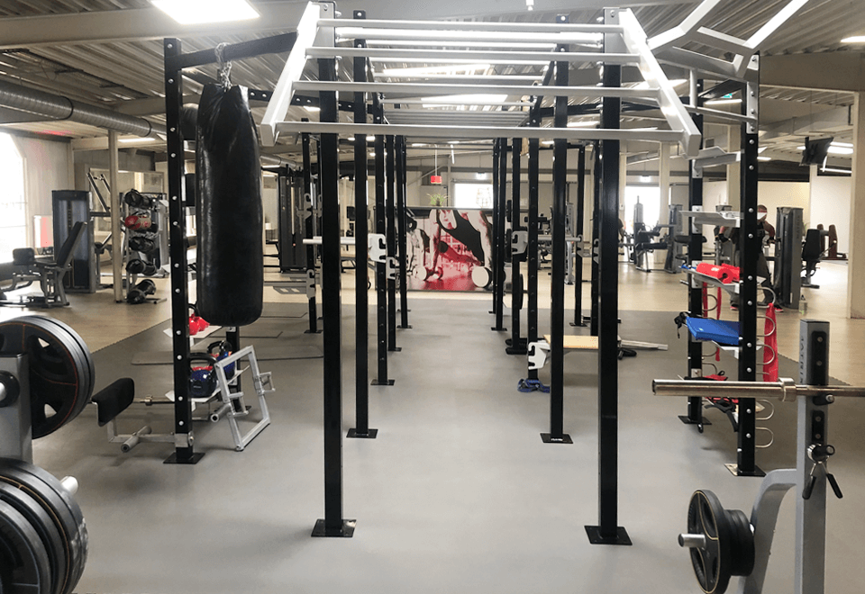 Functional Training Area mit Functional Tower im redfit fitness & sports Rhauderfehn
